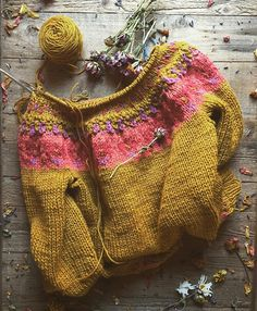 Crochet Jumper, Sweater Knitting Patterns, Knit Crochet, Crochet Patterns, Jumper Patterns, Knitting Ideas, Textiles, Yarn Sizes, Circular Knitting Needles