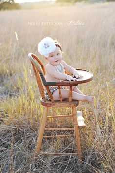 First birthday photography antique high chair my mil has this high chair! Idea for paetyns first bday:)