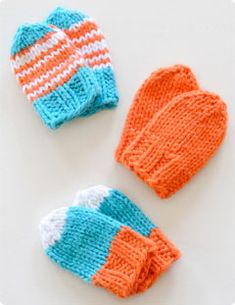 Baby Mitts.   Free knitted baby mitts pattern.