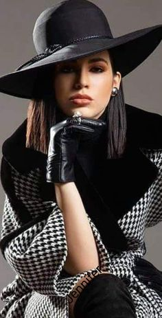 Black White Fashion, Black And White, Elegant Gloves, Classy People, Street Chic, Autumn Winter Fashion, Fall Fashion, Houndstooth, Hats For Women