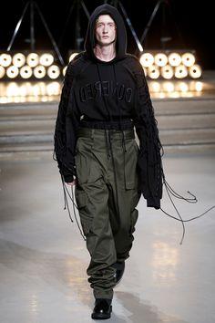Juun.J Spring 2017 Menswear Fashion Show