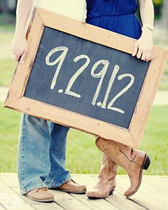 Save the date picture idea | Couples / engagement photography ideas | Bride and groom to be | Country theme