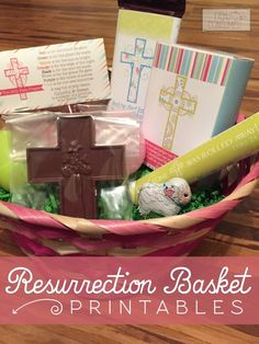 Looking for an alternative to the traditional Easter basket? This Christ-Centered Resurrection basket is a wonderful fit for Easter this year. Focus on what really matters in your family with these FREE printables !