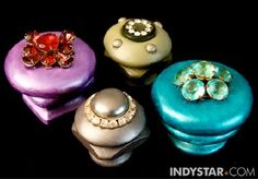 10 DIY projects using vintage jewelry-- neat ideas for the BAGS of old jewelery I have...