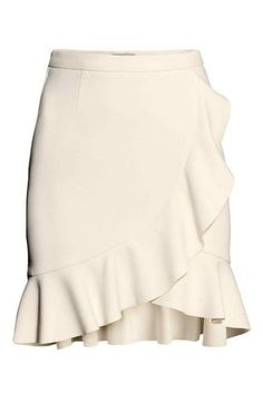 H&M Ruffle Skirt in Natural White Frill Skirts, Cute Skirts, Ruffle Skirt, Dress Skirt, Ruffle Trim, Ruffles, H&m Fashion, Fashion Outfits, Fashion Trends