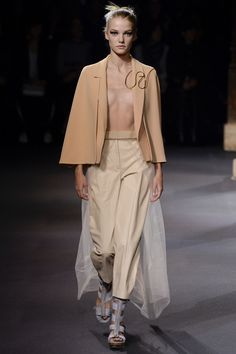 Vionnet Spring 2016 Ready-to-Wear Fashion Show - Roos Abels (Ford)