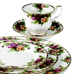 Vintage China Royal Albert Old Country Roses Dinnerware Collection