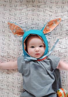 Paas baby - Baby's First Easter by Mer Mag Cute Kids, Cute Babies, Baby Kids, Sewing For Kids, Diy For Kids, Little People, Little Ones, Bonnet Pattern, Bunny Hat