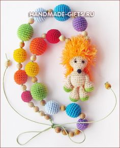 слингобусы Crochet Baby Toys, Crochet Animals, Crochet Dolls, Baby Necklace, Crochet Necklace, Handmade Toys, Handmade Crafts, Crochet Mobile, Bead Crochet