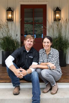 Episode 16 - The Little Shack On The Prairie - Magnolia Market Exterior Light Fixtures, Farmhouse Light Fixtures, Exterior Lighting, Magnolia Farms, Magnolia Market, Magnolia Homes, Joanna Gaines Style, Chip And Joanna Gaines, Industrial Farmhouse