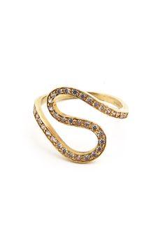 6f4ce3ff06b8 Anillo en forma de serpiente de oro amarillo con circonitas. Valwery.  Disponibles tienda online