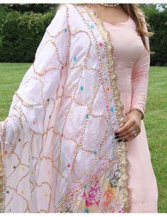 10 Indian Ethnic Wardrobe Essetials Every Girls Must Own Phulkari Punjabi Suits, Punjabi Dress, Pakistani Dresses, Indian Dresses, Indian Outfits, Patiala, Shalwar Kameez, Salwar Suits, Kurti