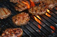 Grilled hamburger recipes are ideal guides for outdoor parties and learn how to grill hamburgers