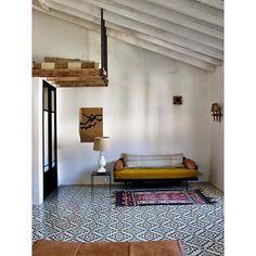 L I V I N G R O O M || #interieur#interieurs#interior#interiors#instagood#instahome#inspiratie#inspiration#interieurdesign#interieurstyling#interiordesign#home#house#woon#wonen#decor#homedecor#living#style#design#boho#bohemian#livingroom#woonkamer#goals#loft#tiles#rug#dreamy#wishlist