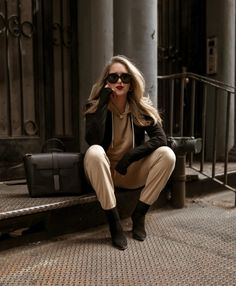 In addition to being gorgeous, it is one of the smartest, most useful accessory investment I've ever made. More reasons why I invested in a Senreve Maestra. Olivia Von Halle, Cashmere Hoodie, Double Breasted Blazer, Nyc Fashion, Travel Tote, My Bags, Laptop Sleeves, Lifestyle Blog, Diaper Bag
