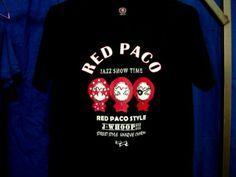 紅帽客帕可家族三兄弟  ! PACOS FAMILY  老大 畫家 RED PACO 中間 特徵- 紅帽小王子 畫家  老二 偵探JIMMY PACO 右邊 特徵- 神秘獨眼客 偵探  老三 搖滾巨星JERRY PACO 左邊 特徵- 戴星星眼鏡 搖滾巨星