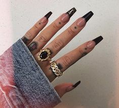 In seek out some nail designs and ideas for your nails? Here's our listing of must-try coffin acrylic nails for modern women. Black Acrylic Nails, Best Acrylic Nails, Acrylic Nail Designs, Black Coffin Nails, Black Widow Nails, Long Black Nails, Gorgeous Nails, Pretty Nails, Aycrlic Nails