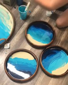 Resin Ocean Tray DIY - Resin art - Custom made wood and resin beach tray. Acrylic Pouring Art, Acrylic Resin, Acrylic Art, Diy Resin Art, Diy Resin Crafts, Diy Resin Ideas, Wood Crafts, Epoxy Resin Wood, Diy Epoxy