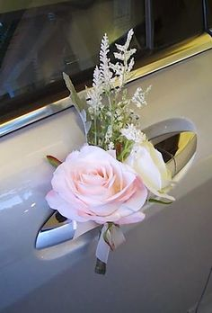 30 Gorgeous Wedding Car Decoration Ideas Decorating wedding car is one of the obligatory traditions! Flowers, flying tapes and balloons will be excellent assistants in this creative process. Trendy Wedding, Diy Wedding, Wedding Flowers, Wedding Day, Spring Wedding, Unique Weddings, Bridal Car, Wedding Car Decorations, Wedding Cake Rustic