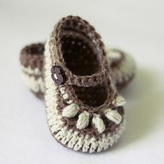 Instant download - Baby Booties Crochet PATTERN (pdf file) - Chocolate Baby Booties