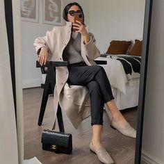 Hannah | COCOBEAUTEA (@cocobeautea) • Photos et vidéos Instagram Have A Lovely Weekend, Get The Look, Foto E Video, Personal Style, Beige, Fashion Outfits, Chic, Jackets, Clothes