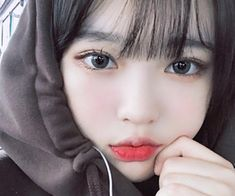 Image uploaded by Park JaShi♡. Find images and videos about ulzzang, choiheechu and choi hee chu on We Heart It - the app to get lost in what you love. Korean Beauty Girls, Pretty Korean Girls, Cute Korean Girl, Cute Asian Girls, Short Hair With Bangs, Girl Short Hair, Hairstyles With Bangs, Short Hair Styles, Men Hairstyles