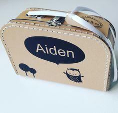 Koffertje Aiden nav #geboortekaartje #kraamkado #kraamkcadeau #kinderkoffertje #kinderkoffertjes #kadometnaam #koffertjemetnaam van www.bepenco.com