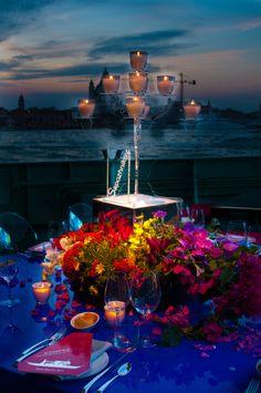 Composizione per il centro tavola del vernissage di Victoria Art Foundation #flower, #candle, #design, #style, #venezia, #idea, #composition, #light, #plexiglas, #matteocorvino, #tableset, #Venice