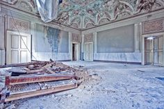 Abandoned Italy | Abandoned mansion, Italy. Copyright: Alex Vetri. | Once upon a time..