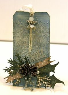 2 Scrapping Ladies From The North: tim holtz tag