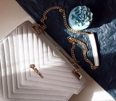 White leather bag by Kurtmann Perfect for spring White Leather, Leather Bag, Wallet, Chain, Detail, Spring, Bags, Life, Fashion