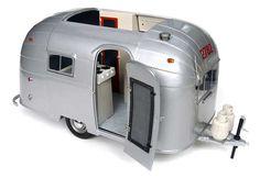 Classic Airstream Diecast Model Caravan by Motorcity Classics