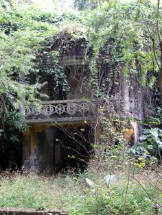Mui Shue Hang Park Ghost House by Chong Fat on Wikimedia Commons.