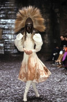 """Eshu"" - Alexander McQueen Fall 2000 Ready-to-Wear Collection Photos - Vogue"
