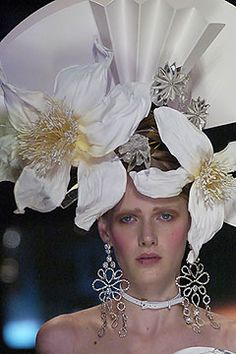 spring-2005-couture/christian-dior/collection