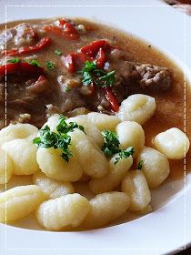 Slovak Recipes, Czech Recipes, Ethnic Recipes, No Salt Recipes, Food 52, Chana Masala, Stew, Macaroni And Cheese, Good Food