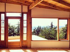 Galería de Casa en la punta del cerro / Lotecircular - 10 Sunken Living Room, Home Renovation, Ideas Para, Ranch, House Design, Cabin, Windows, Graphic Design, Architecture
