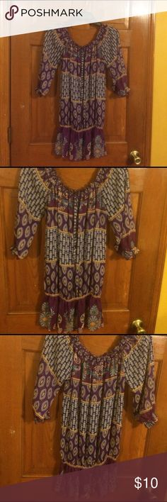 EUC, love the color & patterns, This Ruffled colla EUC, love the color & patterns, This Ruffled collar  can be worn on or off shoulders, tie in front, elastic in sleeves & in waist, Say What? Tops