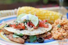 Easy Chicken Fajita-Style Quesadillas Recipe https://babytoboomer.com/2015/07/10/foster-farms-chicken/