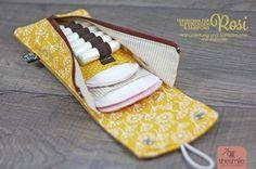 """Ideia para bolsa de higiene íntima + PDF-E-Book: Tasche Slipeinlagen & Tampons """"Rosi"""" Diy Sewing Projects, Sewing Projects For Beginners, Sewing Hacks, Sewing Tutorials, Sewing Crafts, Sewing Patterns, Bag Tutorials, Sewing Ideas, Mochila Tutorial"""