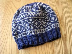 Ravelry: Two-Colour Infant Hat pattern by Paulina Chin 3 months