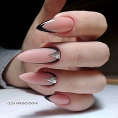 There are three kinds of fake nails which all come from the family of plastics. Acrylic nails are a liquid and powder mix. They are mixed in front of you and then they are brushed onto your nails and shaped. These nails are air dried. Aycrlic Nails, Nude Nails, Stiletto Nails, Nail Manicure, Coffin Nails, Almond Acrylic Nails, Best Acrylic Nails, Acrylic Nail Designs, Stylish Nails