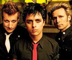 Green Day, best punk rock band ever! [Old Green Day, new Green Day music has gone wayyyyy down hill] Billie Joe Armstrong, Green Day, Kinds Of Music, Music Is Life, My Music, Great Bands, Cool Bands, Rockabilly, Rock Internacional