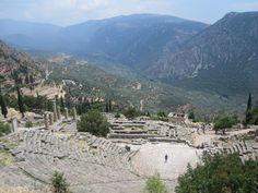 Delphi....what a wonderful backdrop to the theatre=) IT IS SO BREATHTAKING...even more so than the pic if that is possible=)