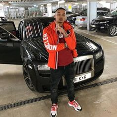 Watch the Best YouTube Videos Online - He's So Certi! There's A Reason He Is My Favourite Rapper! - Follow @fredo.fans For More Fredo News & More! - #Fredo #UK #Music #UKMusic #ThirdAvenue #FunkyFriday #SurvivalOfTheFittest #Wireless #2019 #Follow #Like #Share #Support Rapper Outfits, Swag Outfits Men, Grime Artists, Thug Style, Cute Black Boys, Uk Music, Man Crush Everyday, Painted Jeans, Best Luxury Cars