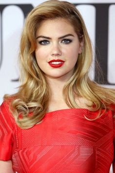 Kate Upton With 50s Siren Curls
