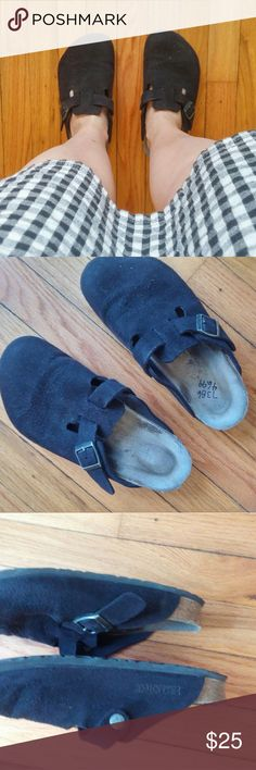 Black Birkenstock Clogs 39 Worn but good condition overall! Bottoms not too worn. Open footprint. Soft footbed.   BUNDLE your likes and shoot me and OFFER! Glad to negotiate. Hundreds of items available for discounted bundle offers!  Follow on IG: @the.junk.drawer Birkenstock Shoes Mules & Clogs