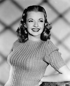 Dale Evans, and the sweater look. Old Hollywood glamour Old Hollywood Glamour, Golden Age Of Hollywood, Vintage Hollywood, Hollywood Stars, Classic Hollywood, Hollywood Icons, Hollywood Hills, Classic Actresses, Hollywood Actresses
