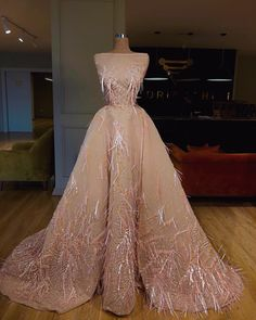 New Arrival 2020 Evening Party Dresses Robe de soiree Dubai Muslim Gorgeous A-line Beaded Boat Neck Custom Made Long Gowns Evening Dresses, Prom Dresses, Formal Dresses, Wedding Dresses, Fancy Gowns, Most Beautiful Dresses, Dress Robes, Pageant Gowns, Luxury Dress