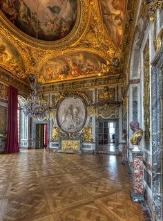 VERSAILLES_Salon de la guerre, antichambre des Appartements du Roi.                                                                                                                                                                                 More
